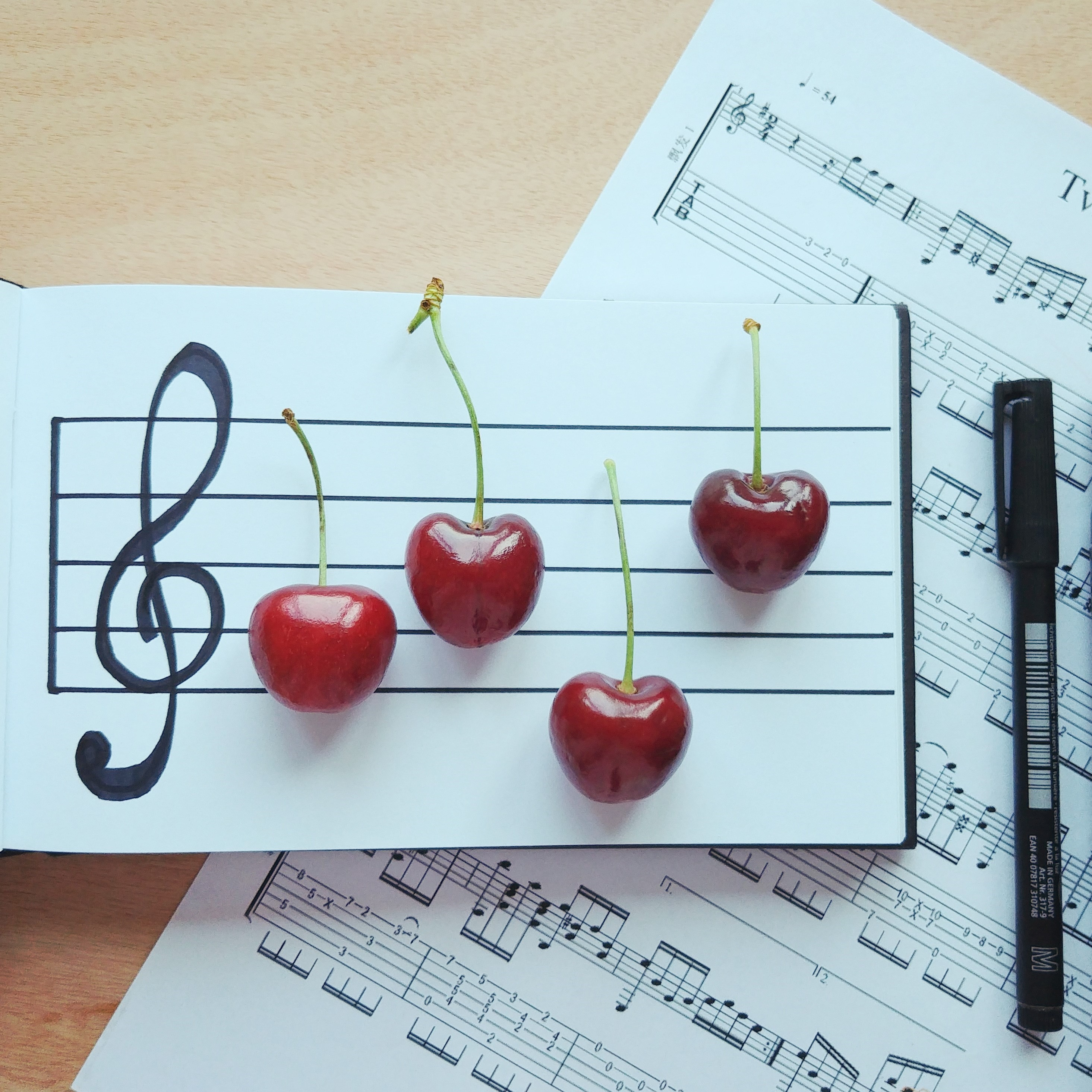 Cherry Melody (square)